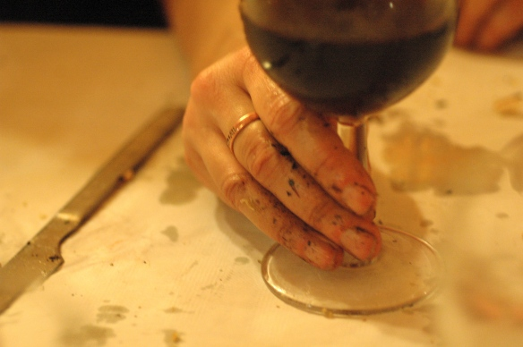 hands after eating calcots