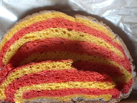 Pan de la diada de Sant Jordi 2013